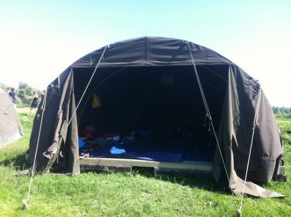 boogtent_legertent_nederlandse_leger_2e_hands_te_koop_stam_outdoor_army_adventure_equipment1